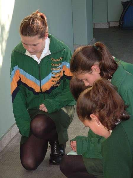 30 Seconds Kneeldown primary school girls